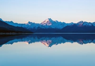 美丽雪山湖泊风景4k壁纸3840x2160